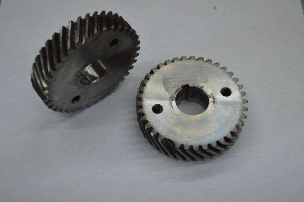 Broken tooth on helical gear